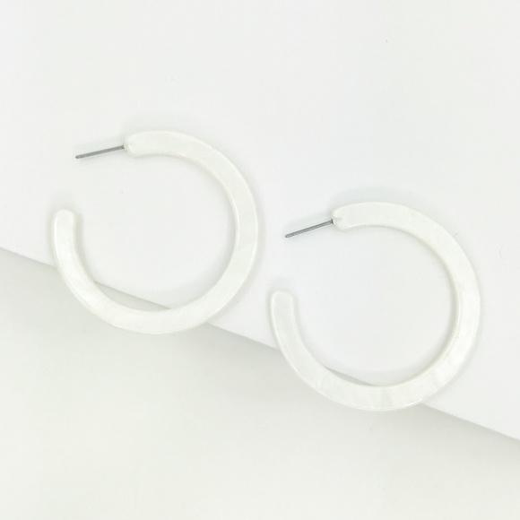 CLOSET REHAB Jewelry - Hoop Earrings in White
